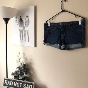 🌸Mossimo dark wash cutoff jean shorts